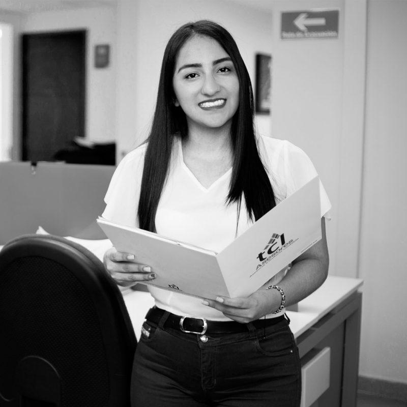 Daniela Bolaños  Coordinador Junior